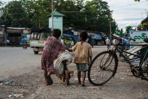 street children, child labour, dumpsite, Philippines, bicycle