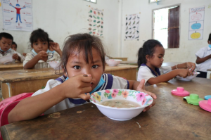 Distribution of food aid in Thailand under the auspices of project Covid