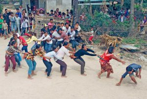 During 3 days, the Khmers play traditional games in the streets!