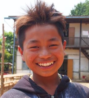 Mg Ling Khui Shing, smiling